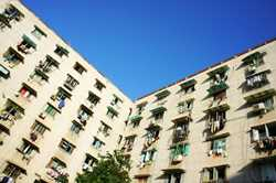 Economic Mechanisms for Renovating Residential Buildings